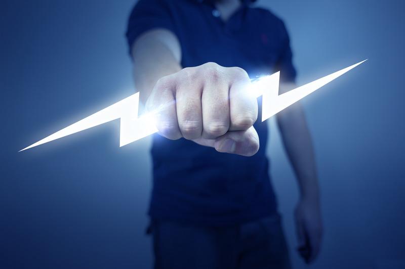 Какое влияние на организм человека оказывает воздействие электрическим током