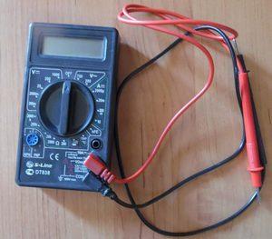 Прибор для проверки батарейки